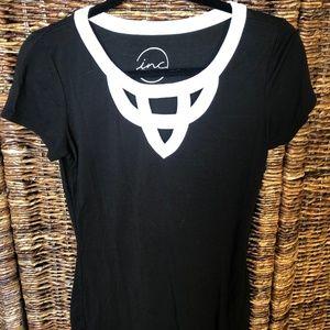 Black T-shirt White Detail